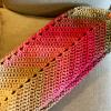 pasztell rózsaszín horgolt válltáska